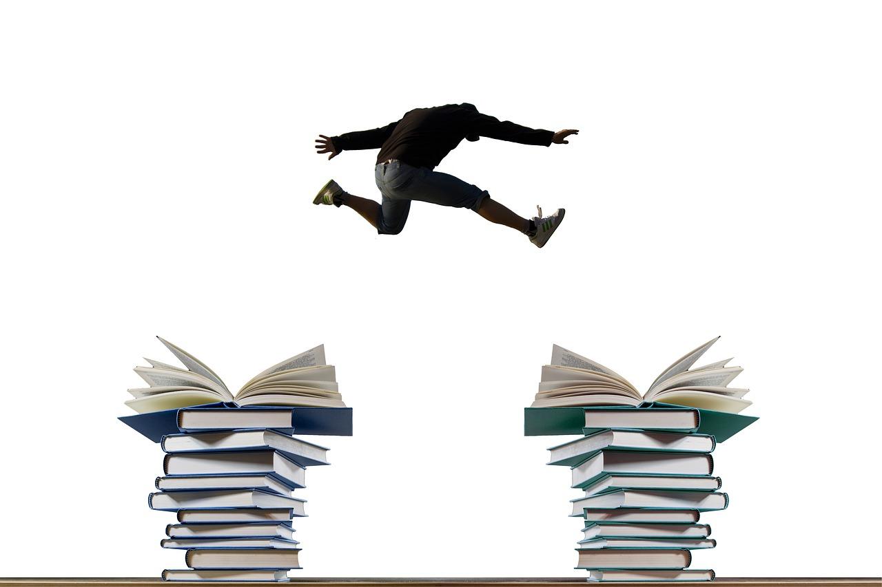 books-4342968_1280